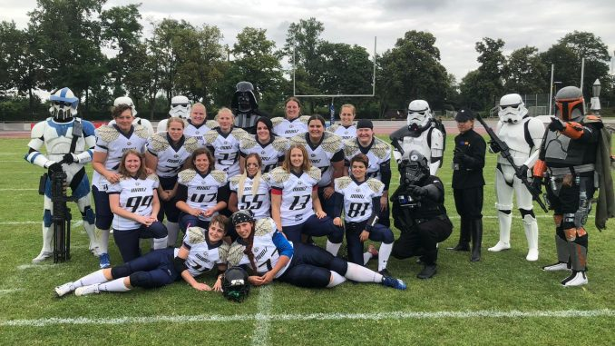 Teamfoto der Mainz Golden Eagles nach dem Gameday in Mannheim